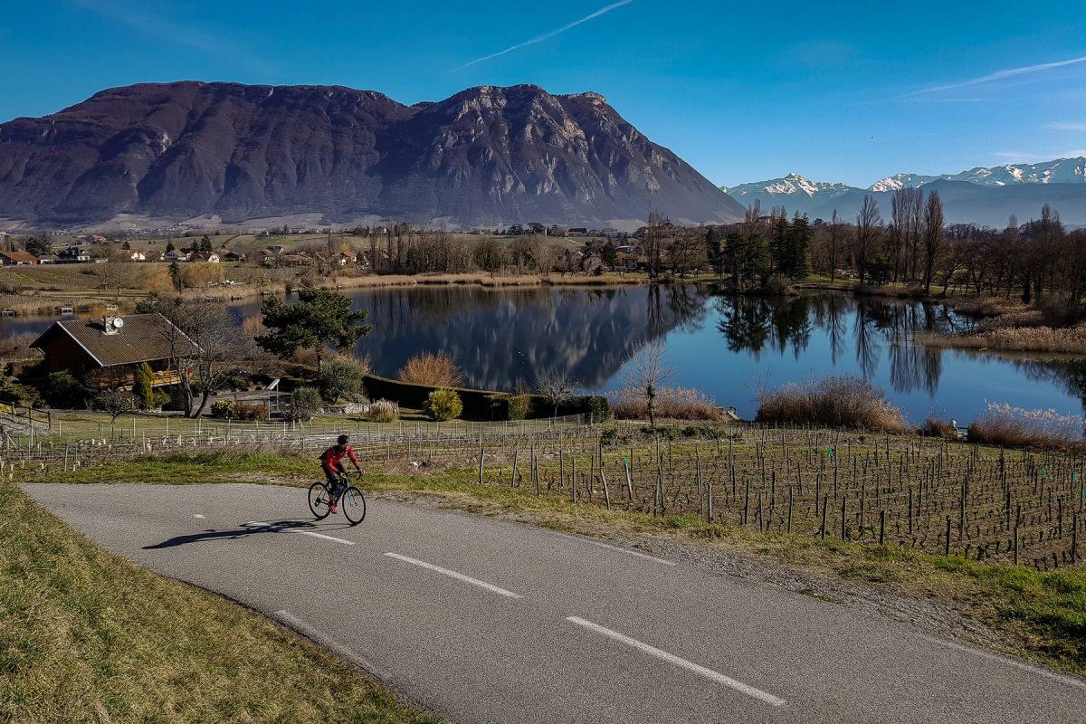 Cyclisme vélo - Lac Saint-André Les Marches Savoie Paysag Montagne Outdoor Landscape Mountain road bike