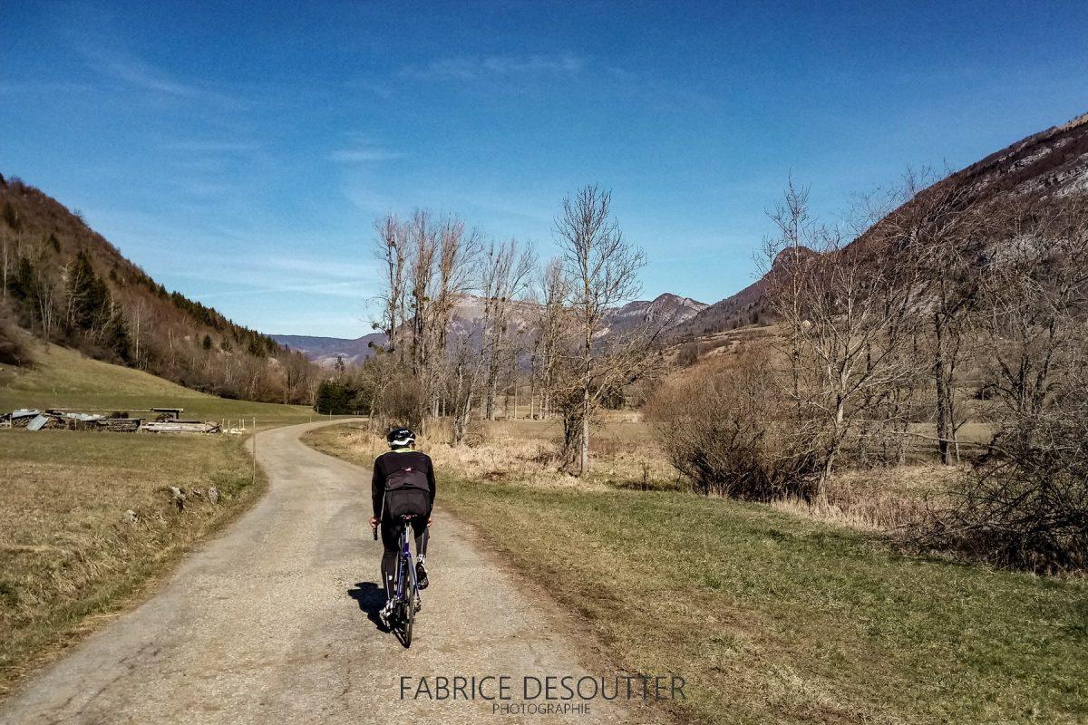 Cyclisme vélo sur route - Paysage Montagne Massif des Bauges Outdoor road bike Mountain Landscape
