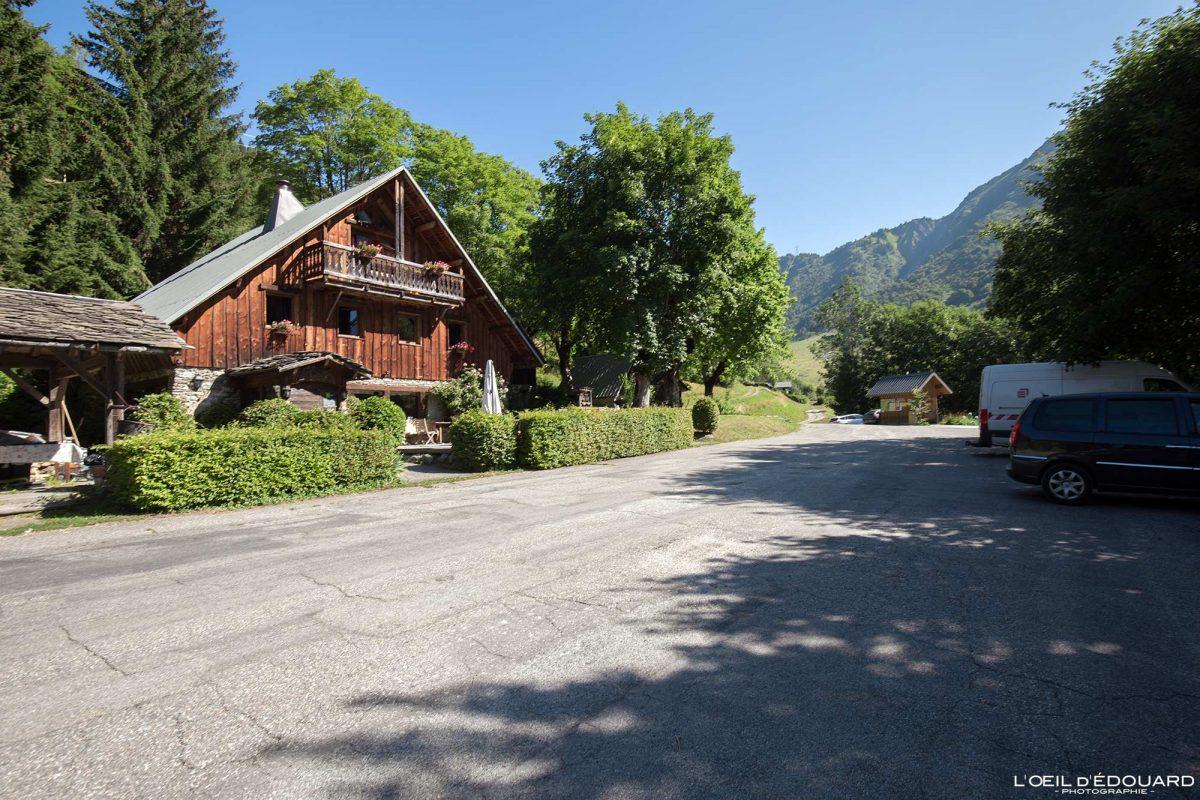 Lieulever Parking Relais du Lac Noir Tioulevé Lauzière Maurienne Savoie Alpes France Montagne