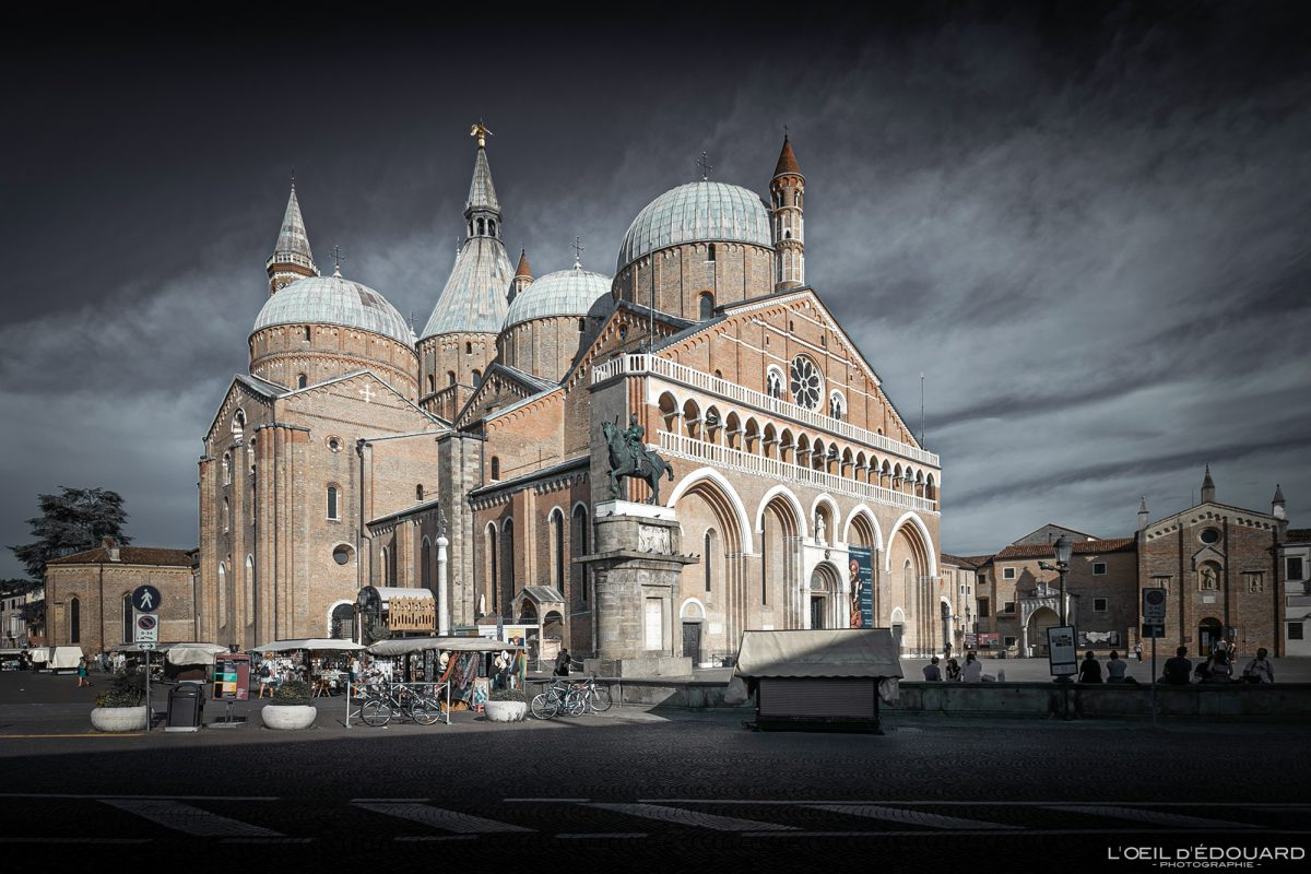 Piazza del Santo Basilique Saint Antoine de Padoue Italie - Basilica di Sant'Antonio Padova Italia Italy Italian church architecture