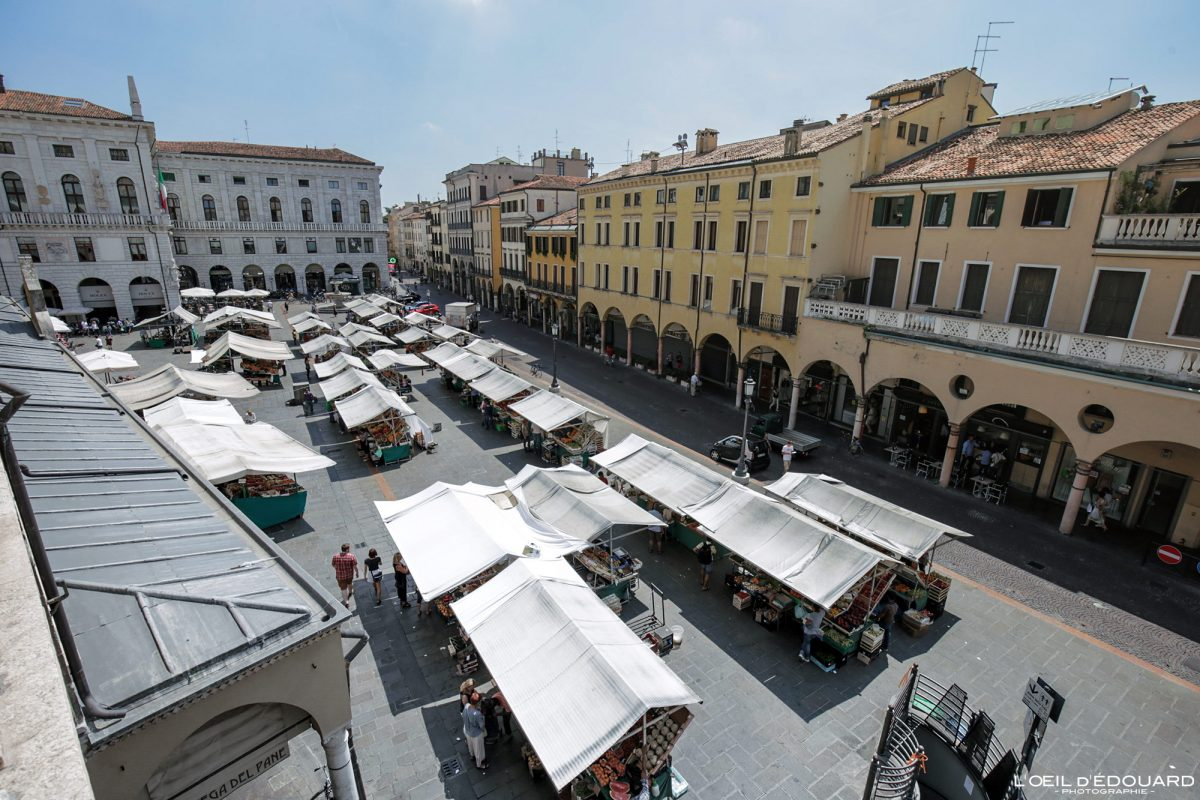 Marché Places aux Herbes Padoue Italie - Piazza delle Erbe Padova Italia Italy Italian place italienne food market