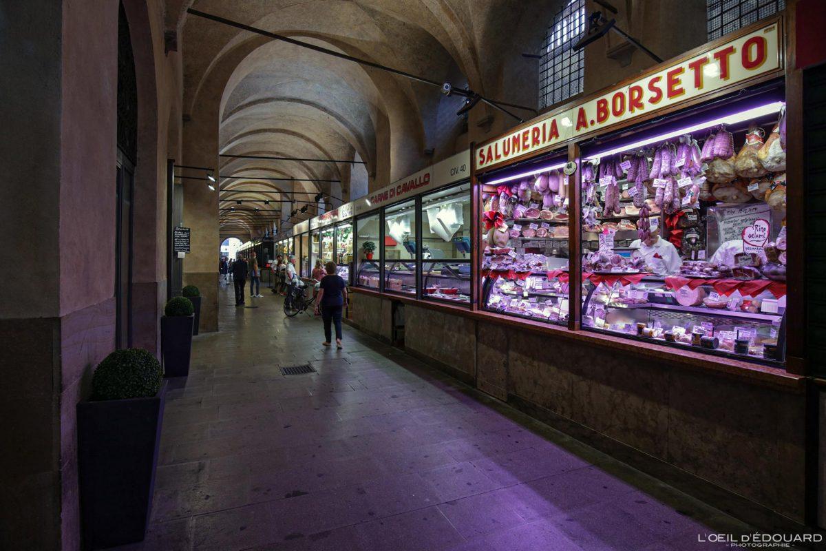 Halles du marché Palazzo della Ragione, Padoue Italie - Piazza delle Erbe Padova Italia Italy Italian food market hall