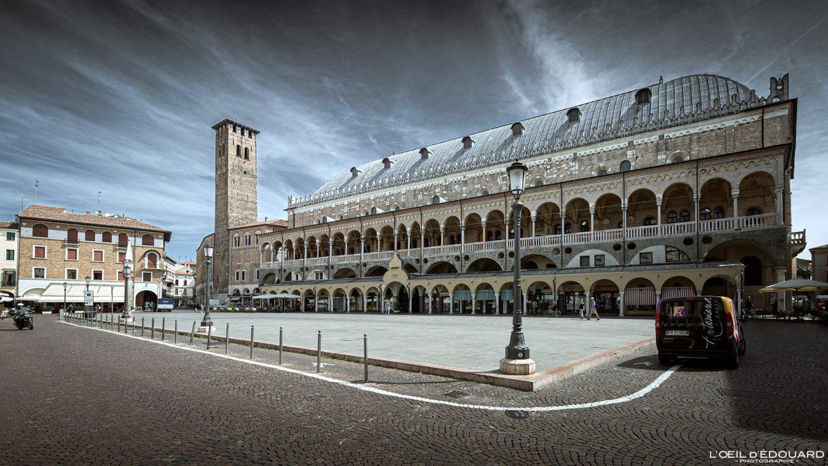 Palazzo della Ragione, Padoue Italie - Piazza della Frutta Padova Italia Italy Italian place italienne palace architecture