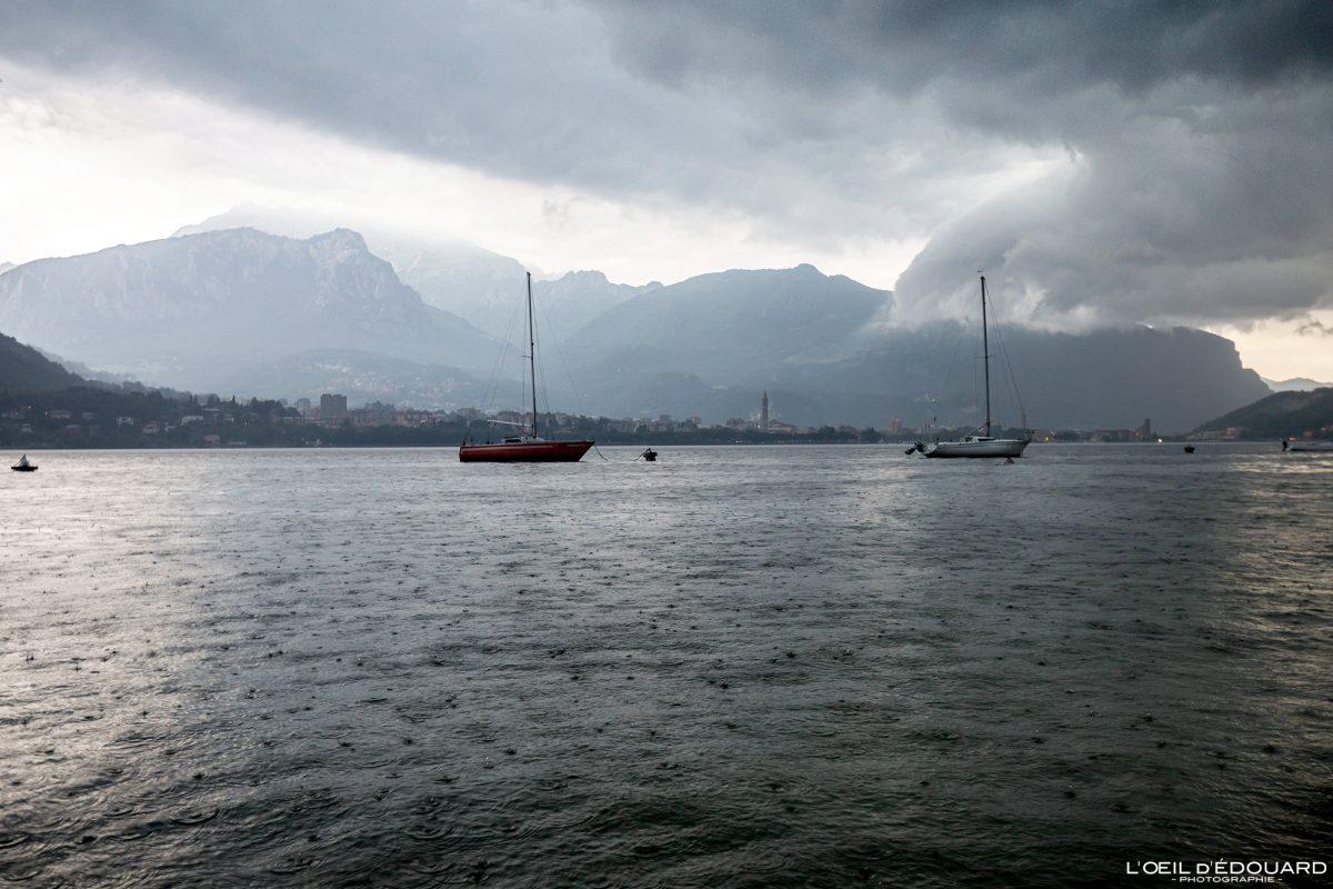 Bâteaux sur le Lac de Côme Italie du Nord Grands Lacs Italiens - Lago di Como Italia North Italy lake landscape boats