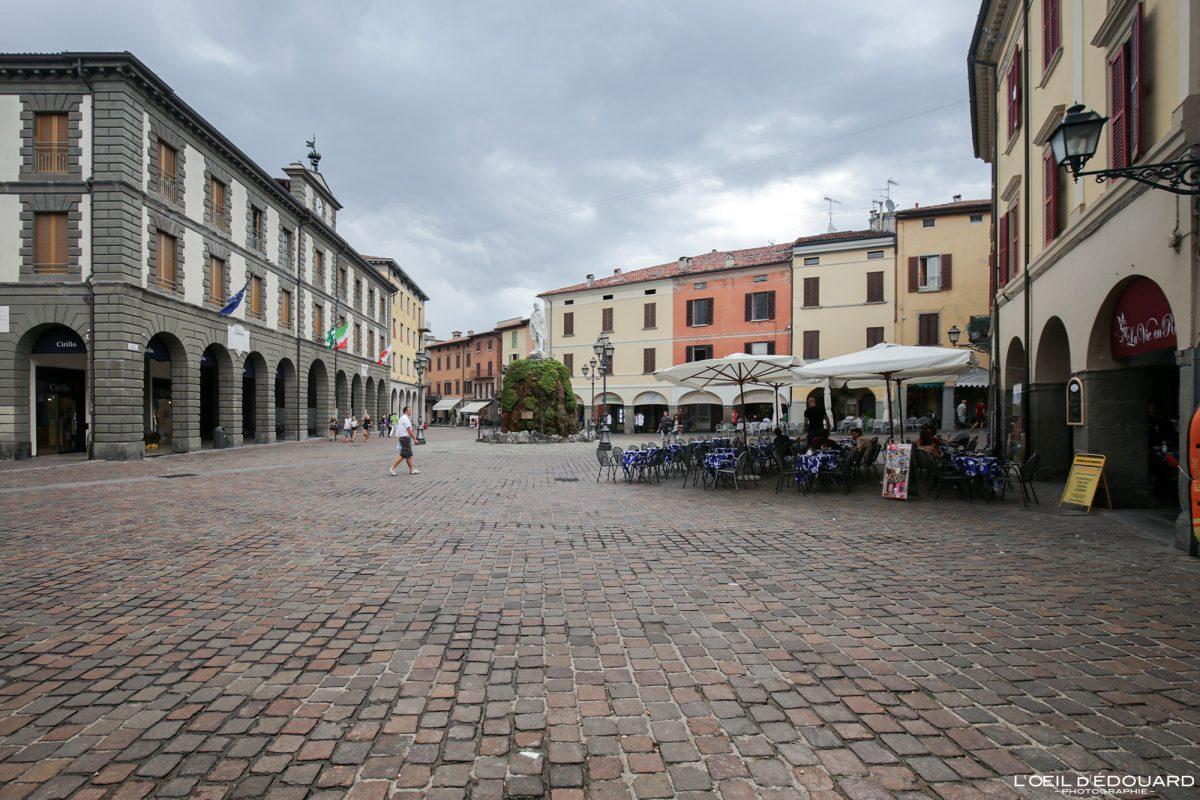 Iseo Lombardie Italie du Nord - Iseo Lombardia Italia North Italy