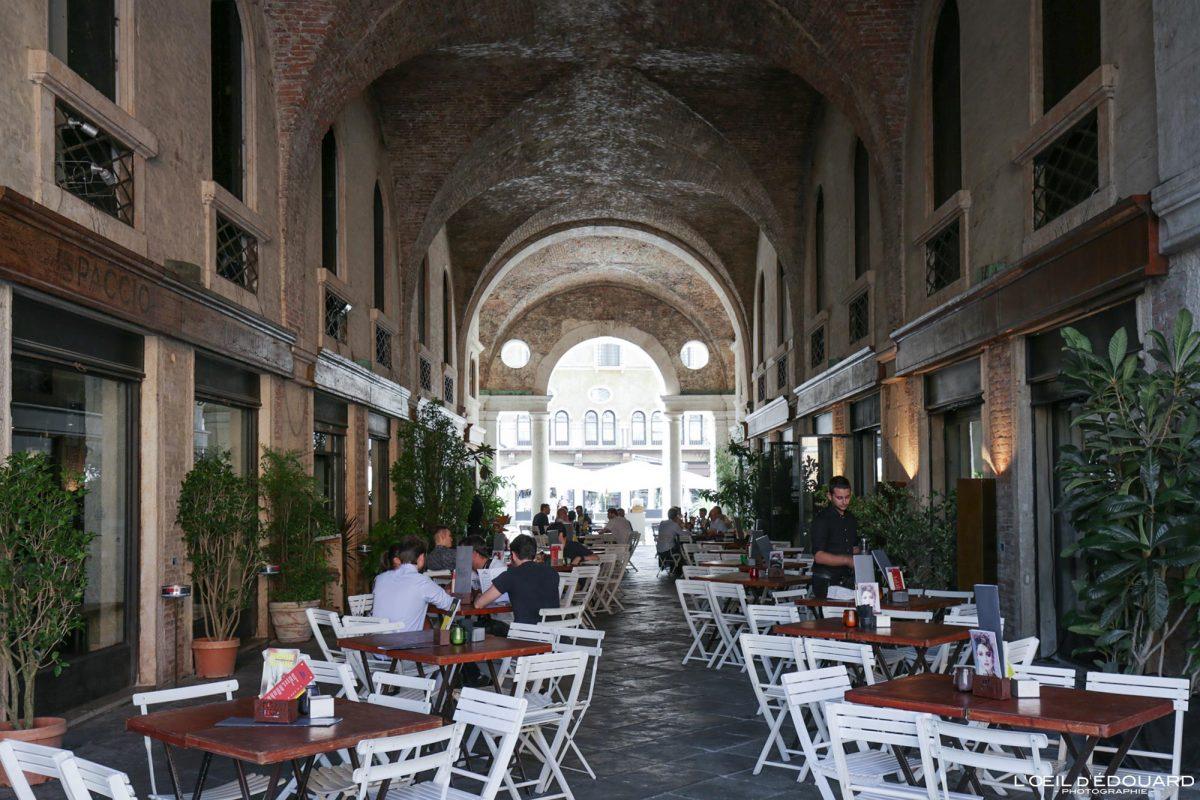 Terrasse Café Palazzo della Ragione Vicence Italie Vénétie - Basilica Palladiana Vicenza Italia Veneto Italy
