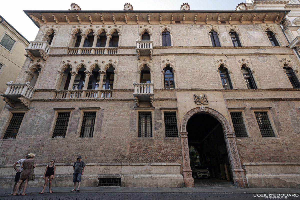 Bâtiment Vicence Italie Vénétie - Ca d'Oro Corso Andrea Palladio Vicenza Italia Veneto Italy architecture building