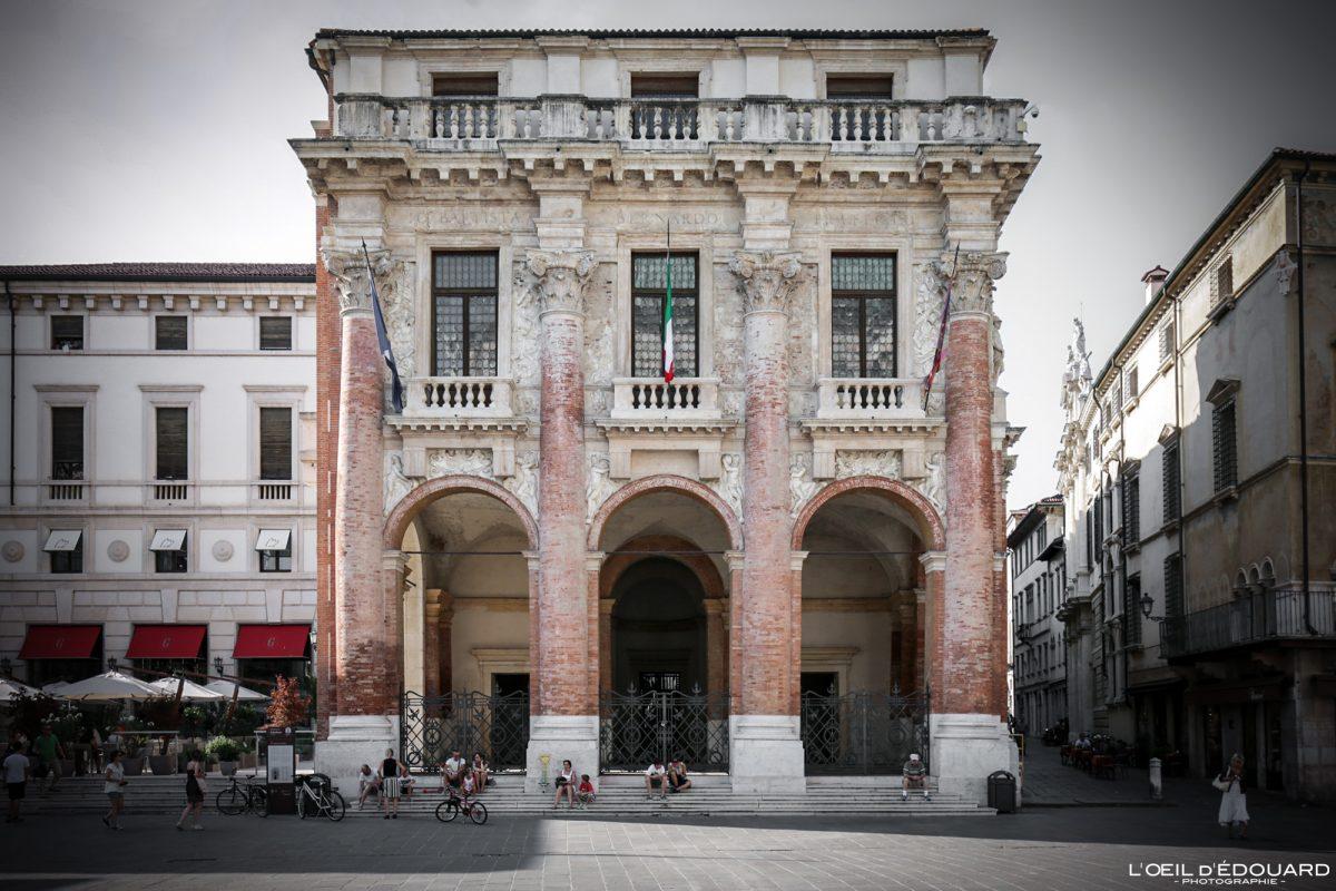 Bâtiment Vicence Italie Vénétie - Piazza dei Signori Loggia del Capitaniato Vicenza Italia Veneto Italy building architecture Andrea Palladio