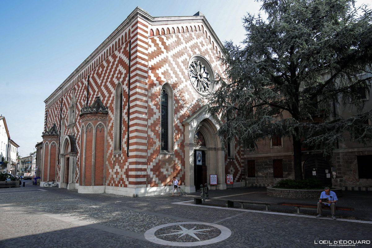 Eglise de Vicence Italie Vénétie - Chiesa Parrocchia di Santa Croce ai Carmini di Vicenza Italia Veneto Italy church