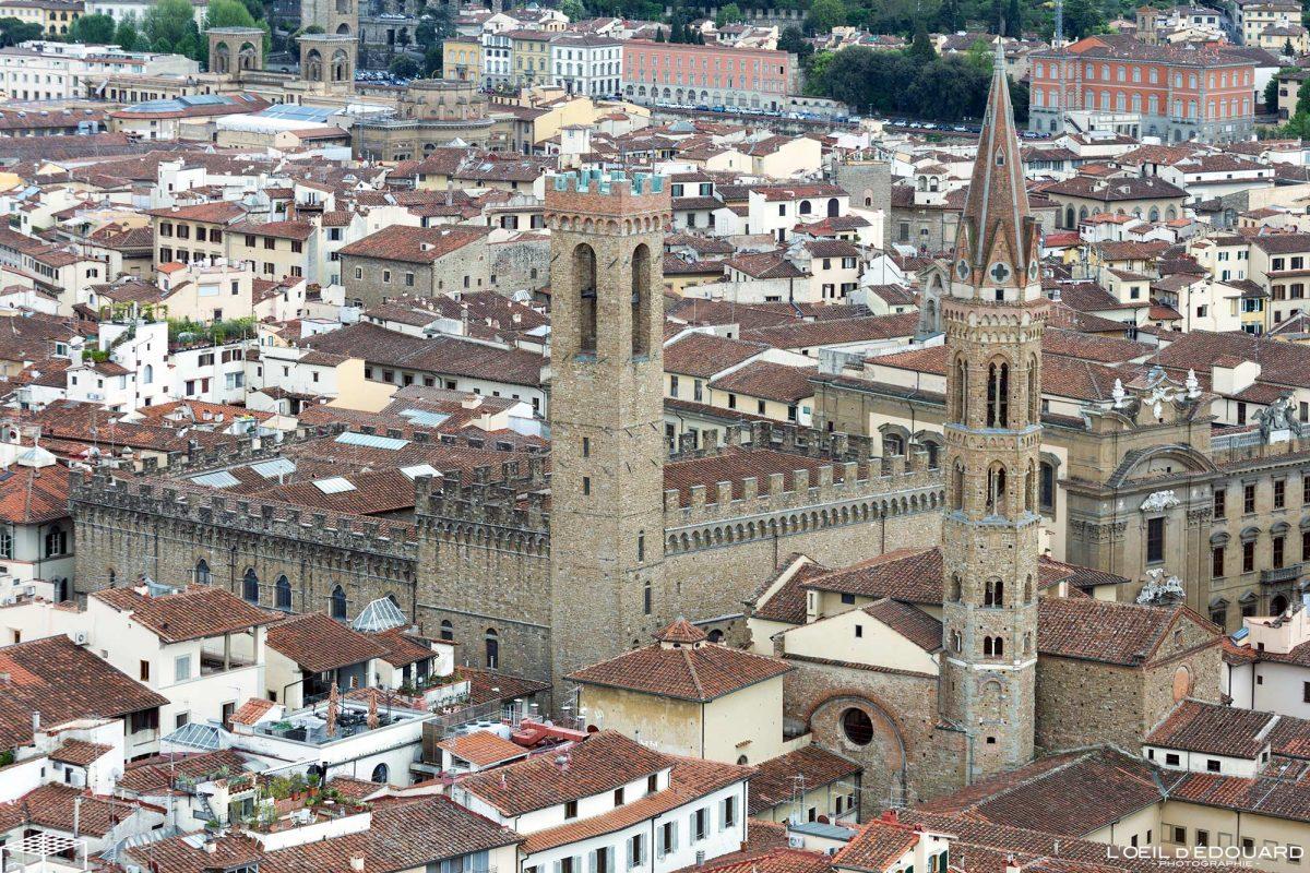 Vue depuis le Campanile de la Cathédrale de Florence Toscane Italie : Museo Nazionale del Bargello Firenze Toscana Italia city view Tuscany Italy