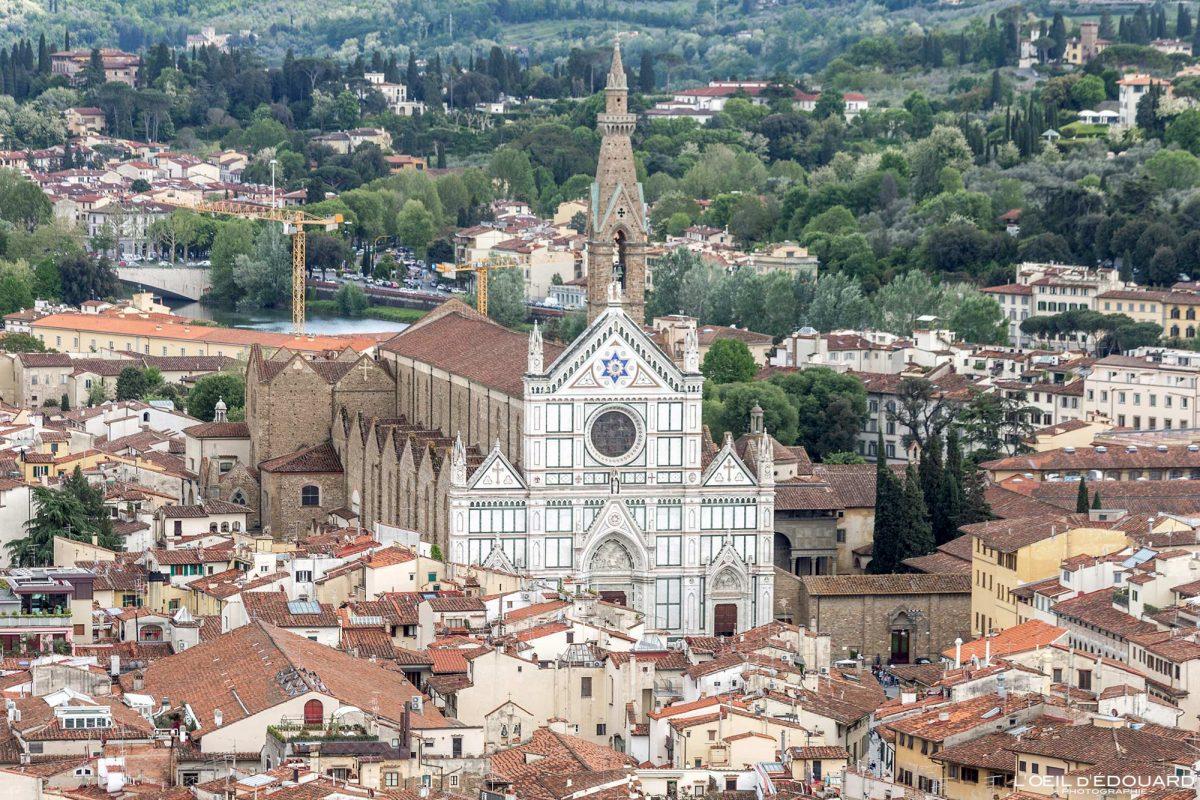 Basilique vue depuis le Campanile de la Cathédrale de Florence Toscane Italie : Basilica Santa Croce Firenze Toscana Italia city view Tuscany Italy church