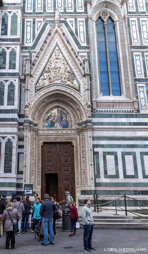 Porte Cathédrale de Florence Toscane Italie - Porta della Mandorla Cattedrale di Santa Maria del Fiore Duomo Firenze Toscana Italia Tuscany Italy church architecture Renaissance