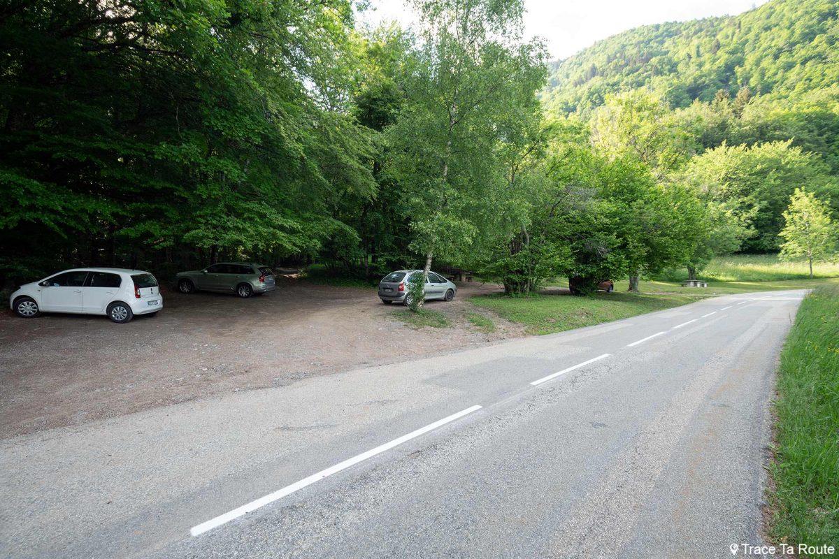 Parking Sous le Col de Tamié - Massif des Bauges Savoie Alpes France