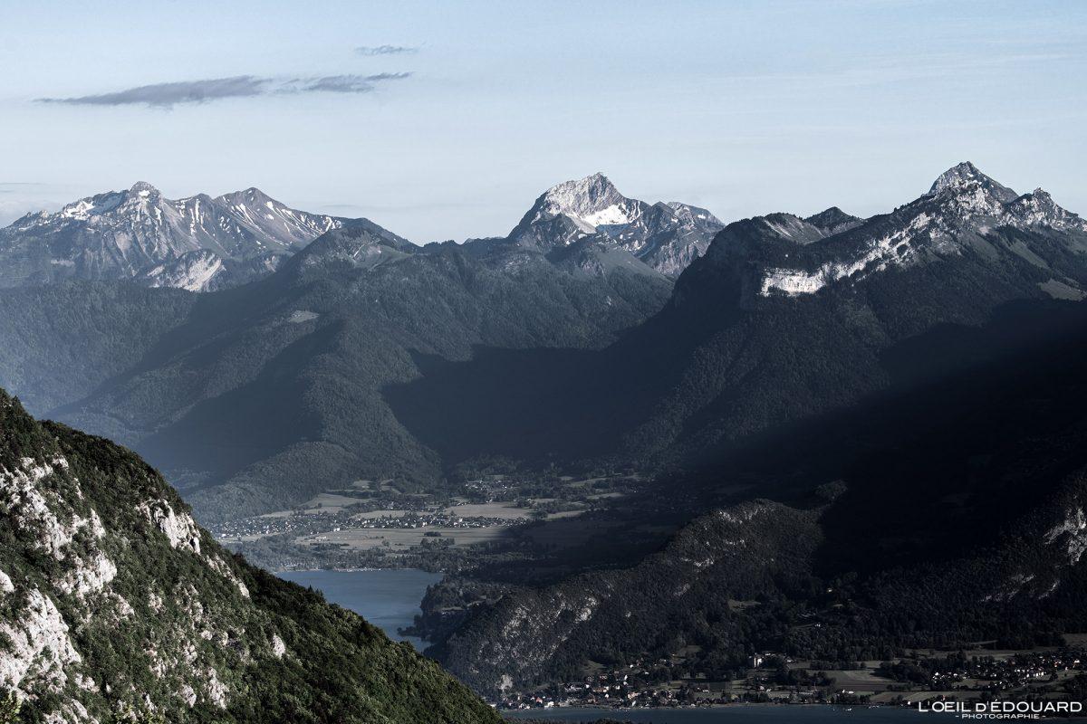 Le Massif des Bauges, vue du sommet depuis le Mont Baron - Mont Veyrier Annecy Haute-Savoie Alpes France Paysage Montagne - Mountain Landscape French Alps Outdoor Hike Hiking view