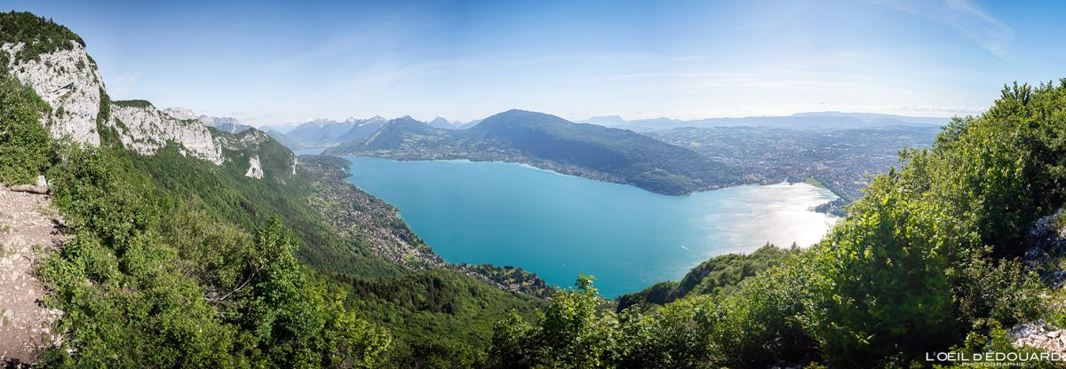 Vue panorama sur le Lac d'Annecy - Randonnée Mont Veyrier - Annecy Haute-Savoie Alpes France Paysage Montagne - Mountain Landscape French Alps Outdoor Hike Hiking panoramic view lake