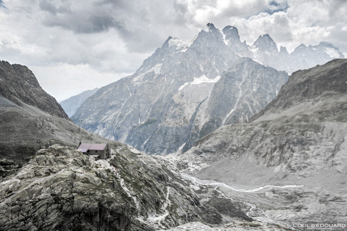 Refuge du Glacier Blanc et le Mont Pelvoux Massif des Écrins Hautes-Alpes France Randonnée Montagne Paysage - Mountain Landscape French Alps Outdoor Hike Hiking