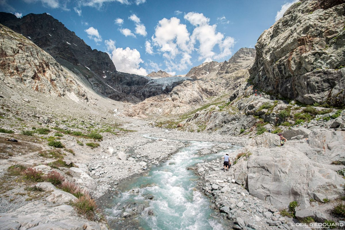 Torrent du Glacier Blanc Randonnée Refuge du Glacier Blanc Massif des Écrins Hautes-Alpes France Montagne Paysage - River Mountain Landscape French Alps Outdoor Hike Hiking