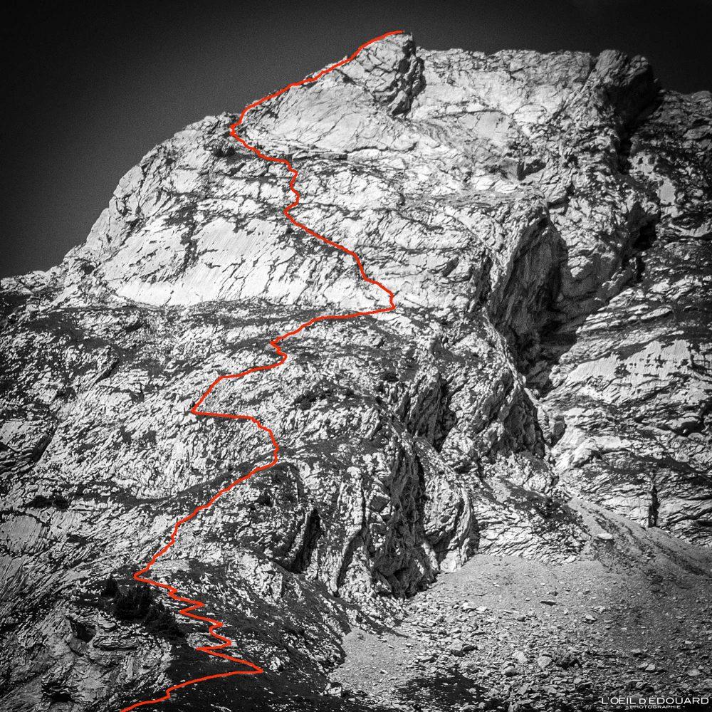 Itinéraire Randonnée voie normale face Est Arcalod Massif des Bauges Savoie Alpes France Paysage Montagne - Mountain Landscape French Alps Outdoor Hike Hiking