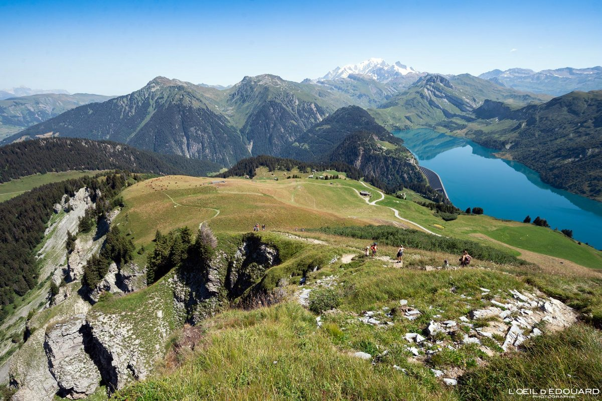 Le Lac de Roselend depuis la Roche Parstire Massif du Beaufortain Savoie Alpes France Paysage Montagne - Landscape Mountain Lake French Alps Outdoor Hike Hiking