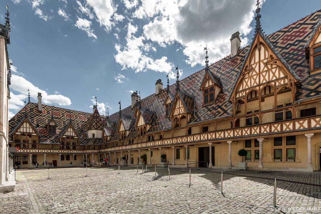 Visite Hôtel-Dieu Hospices de Beaune Bourgogne France Architecture
