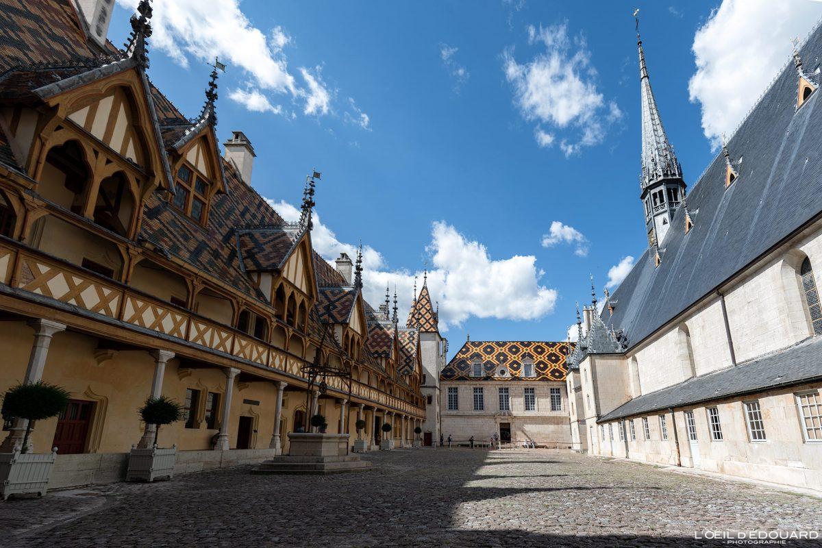 Cour d'Honneur Hôtel-Dieu Hospices de Beaune Bourgogne France Architecture