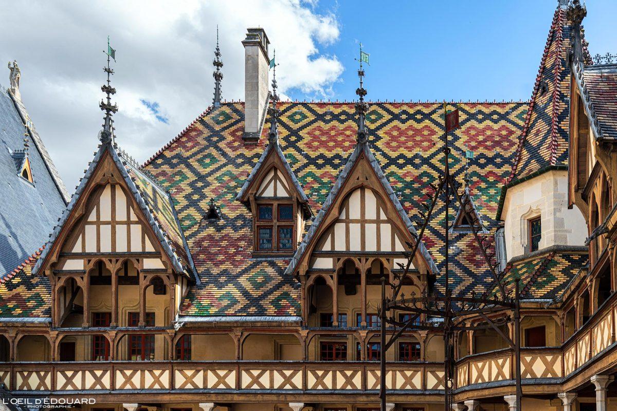Tuiles émaillées Toiture Hôtel-Dieu Hospices de Beaune Bourgogne France Architecture