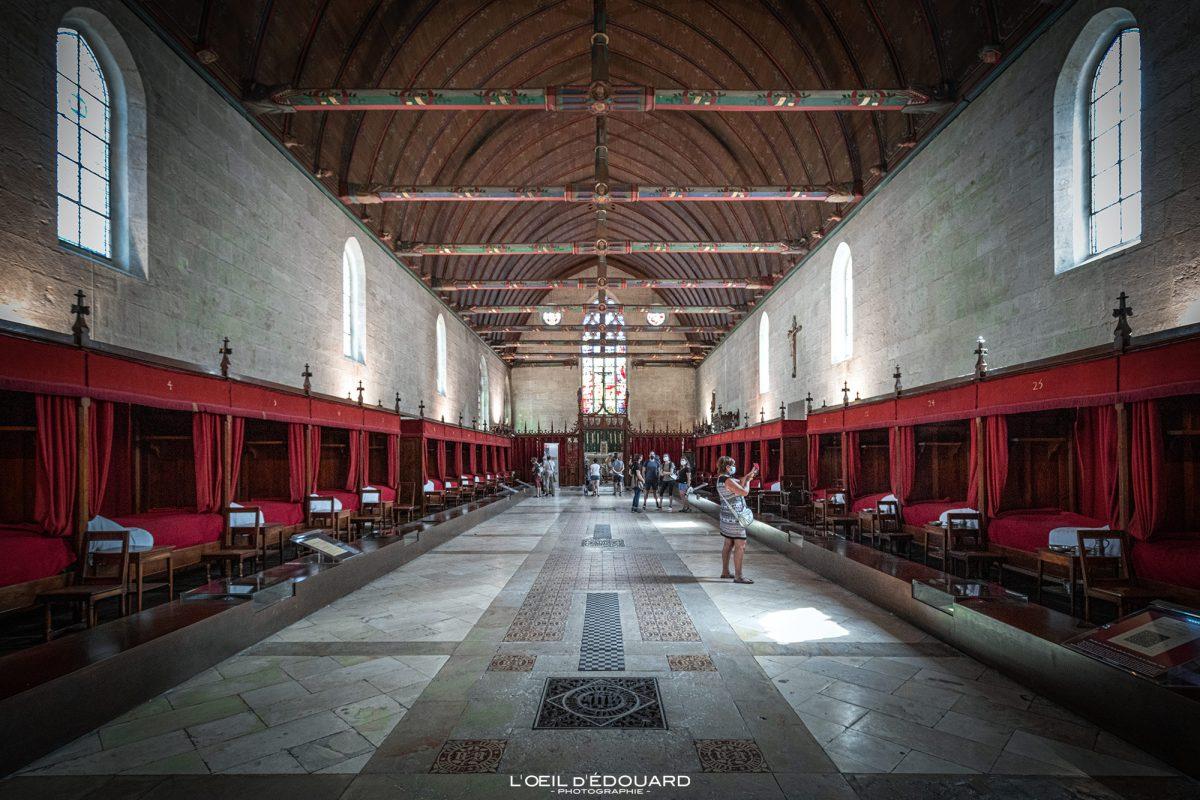 Salle des Pôvres Hôtel-Dieu Hospices de Beaune Bourgogne France Architecture