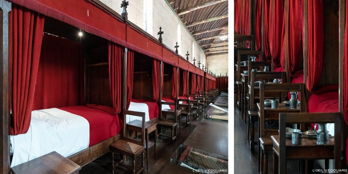 Lits Salle des Pôvres Hôtel-Dieu Hospices de Beaune Bourgogne France Architecture