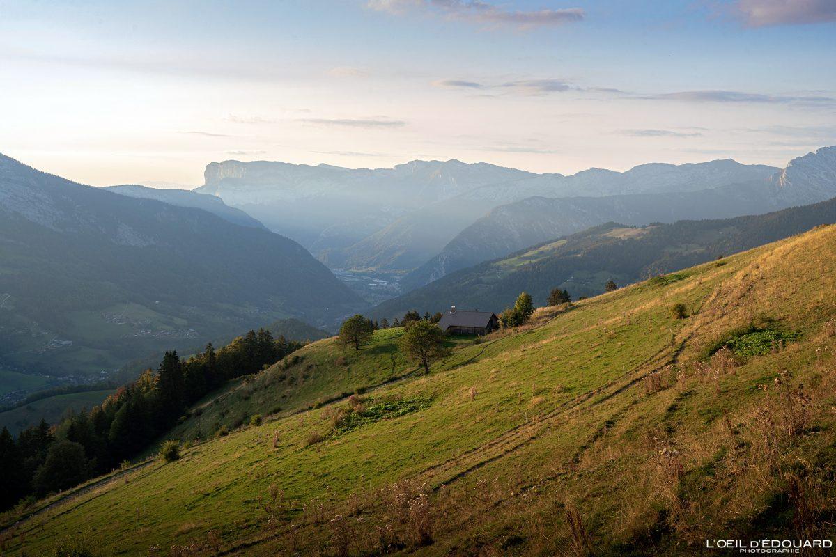 Coucher de soleil depuis Sulens Bornes-Aravis Haute-Savoie Alpes Paysage Montagne Outdoor French Alps Mountain Landscape sunset
