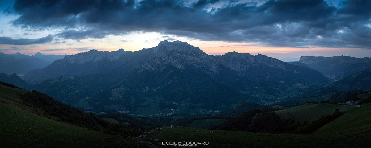 Coucher de soleil sur La Tournette depuis Sulens Bornes-Aravis Haute-Savoie Alpes Paysage Montagne Outdoor French Alps Mountain Landscape sunset