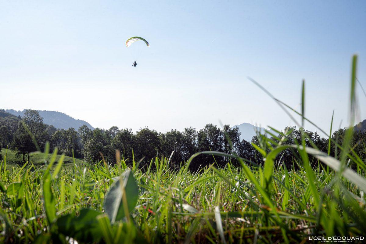 Col du Marais Atterrissage Vol parapente Bornes-Aravis Haute-Savoie Alpes Paysage Montagne Outdoor French Alps Mountain Landscape Paragliding fly paraglider flying