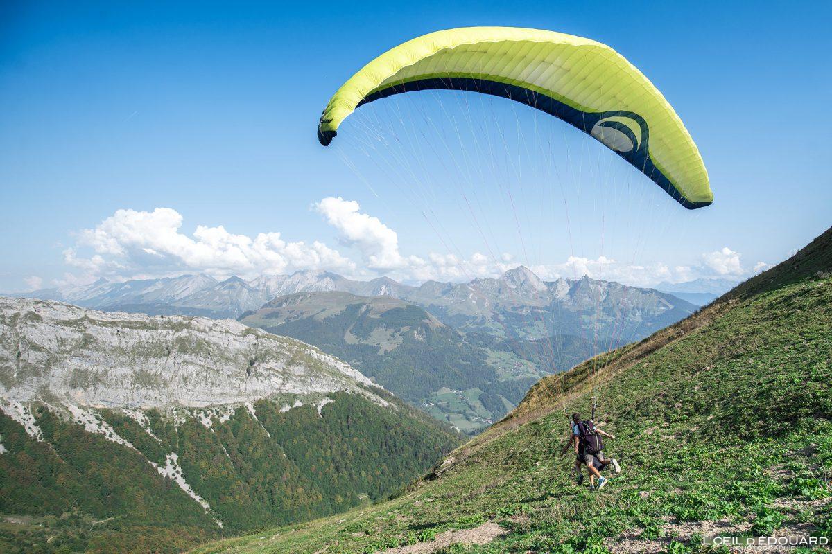 Praz d'Zeures Décollage Vol parapente Bornes-Aravis Haute-Savoie Alpes Paysage Montagne Outdoor French Alps Mountain Landscape Paragliding fly paraglider flying