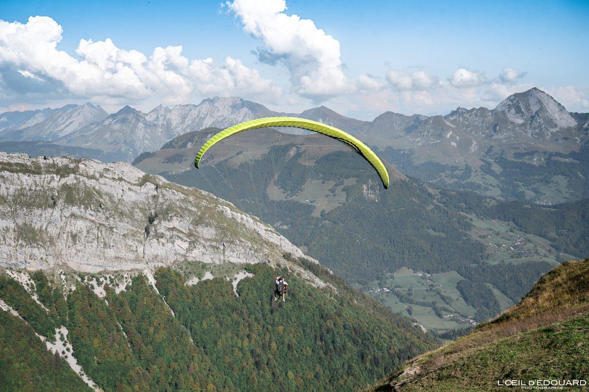 Praz d'Zeures Vol parapente Bornes-Aravis Haute-Savoie Alpes Paysage Montagne Outdoor French Alps Mountain Landscape Paragliding fly paraglider flying