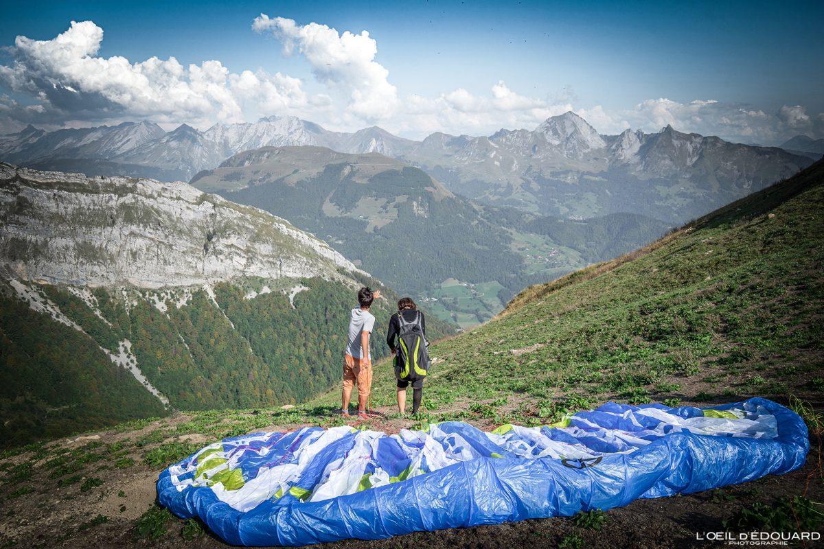 Praz d'Zeures Décollage Vol parapente stage Bornes-Aravis Haute-Savoie Alpes Paysage Montagne Outdoor French Alps Mountain Landscape Paragliding fly paraglider flying