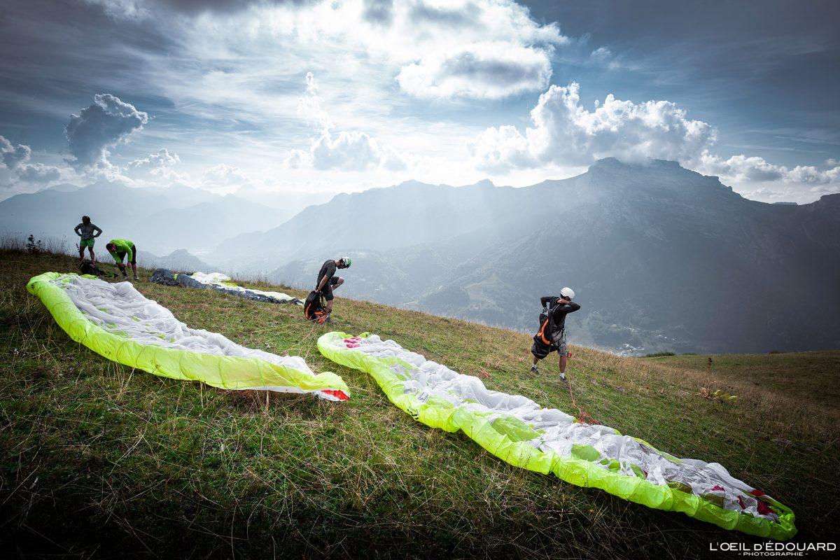 Vol parapente depuis Sulens Bornes-Aravis Haute-Savoie Alpes Montagne Outdoor French Alps Mountain Paragliding fly paraglider