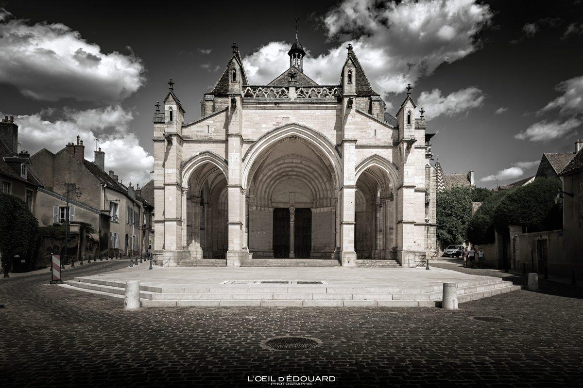 Basilique Notre-Dame Collégiale de Beaune Bourgogne France church architecture