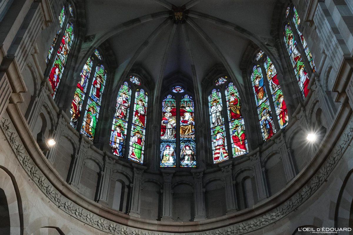 Vitraux Basilique Notre-Dame Beaune Bourgogne France gothic church architecture gothique