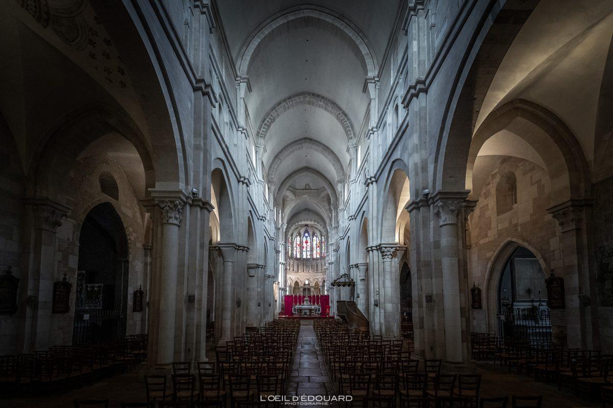 Nef Intérieur Basilique Notre-Dame Beaune Bourgogne France gothic church architecture gothique