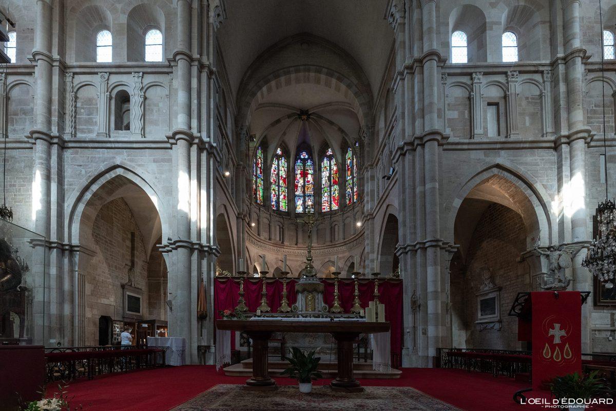 Maitre-Autel Chœur Basilique Notre-Dame Beaune Bourgogne France gothic church architecture gothique