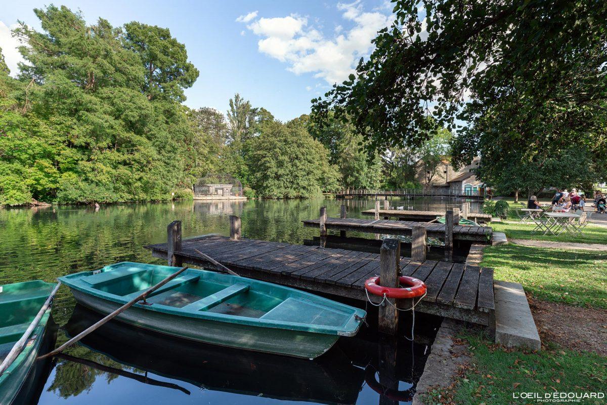 Barques Lac Parc de la Bouzaize Beaune Bourgogne France - Garden Lake landscape boats