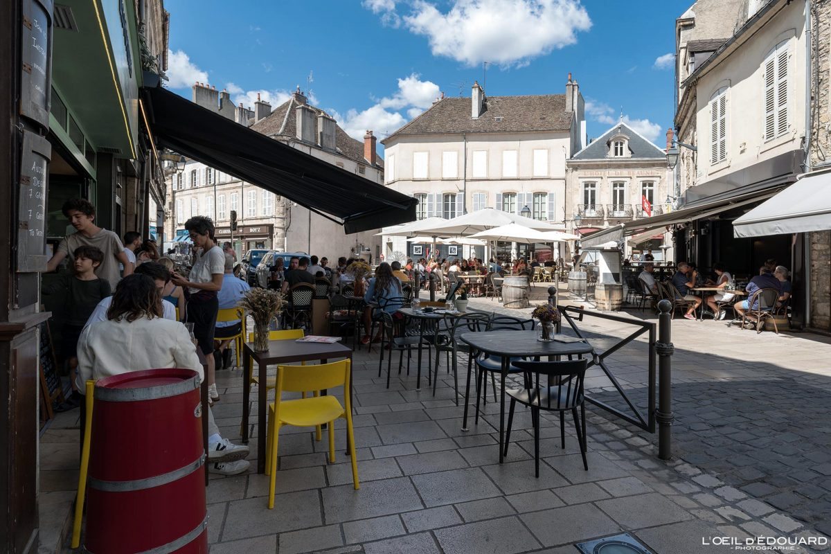 Terrasse Petite Place Carnot Beaune Bourgogne France