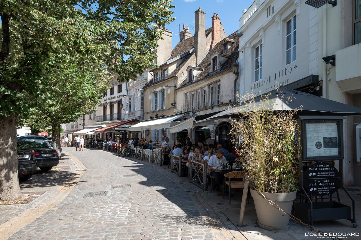 Restaurants Place Carnot Beaune Bourgogne France