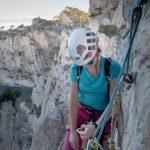 Escalade dans les Calanques : Rappel Traversée Ramond Calanque d'En-Vau, Cassis Bouches-du-Rhône Provence-Alpes-Côte d'Azur France - Rock Climbing Outdoor