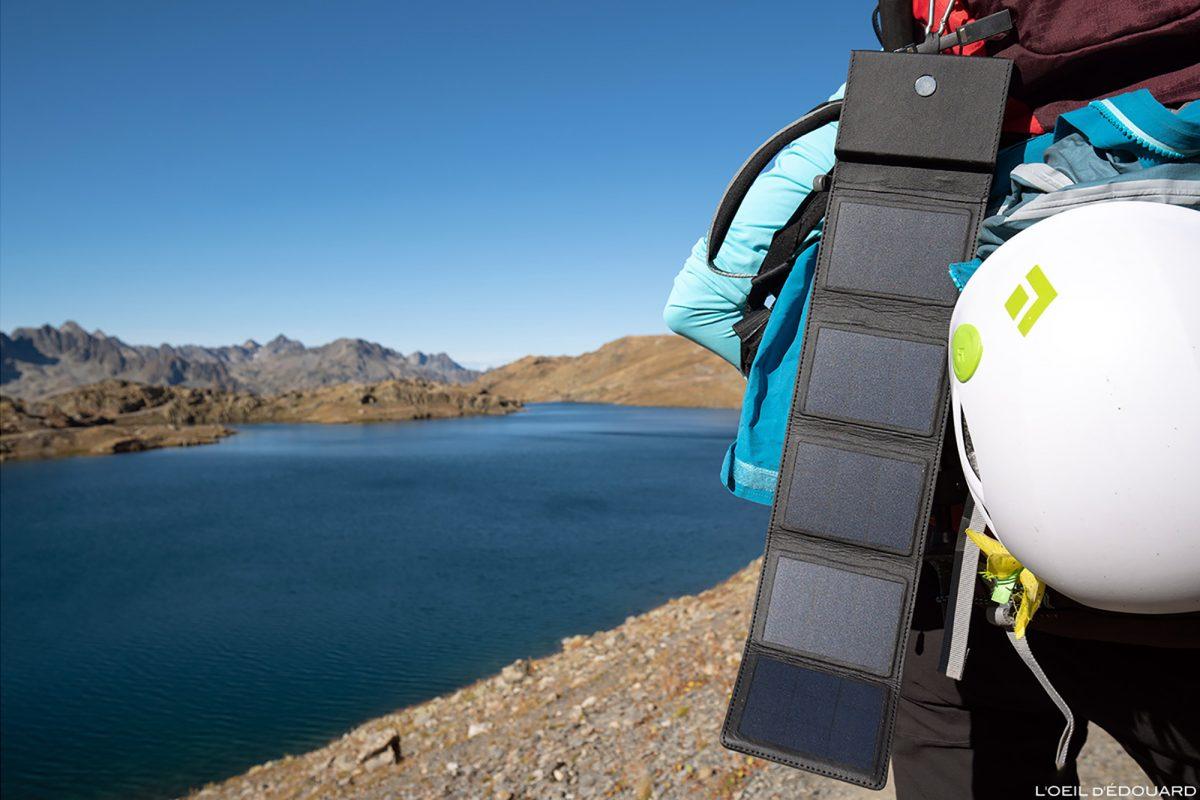 Chargeur solaire Sunslice Photon pour la randonnée trekking en montagne et les treks Outdoor mountain panneaux photovoltaïques