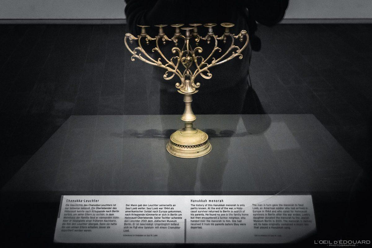 Objet Chandelier à sept branches - exposition collection Musée Juif de Berlin Allemagne - Menorah Jüdisches Museum Deutschland Germany Jewish Museum Exhibition