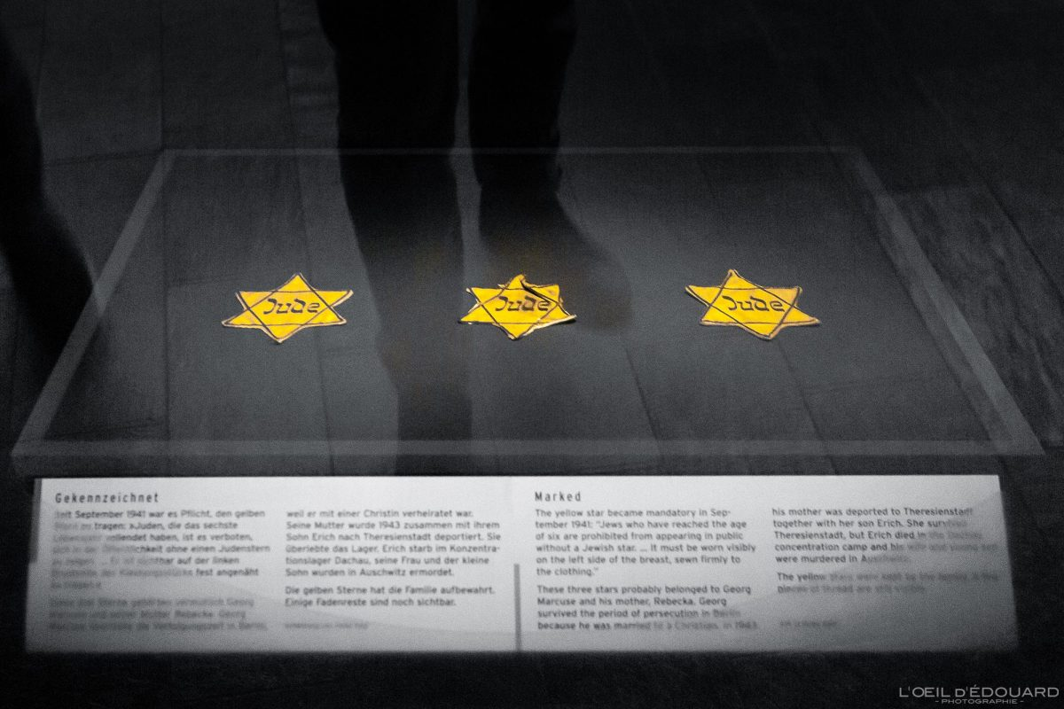 Objet Etoile juive - exposition collection Musée Juif de Berlin Allemagne - Jewish star Jüdisches Museum Deutschland Germany Jewish Museum Exhibition