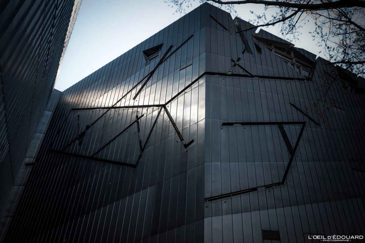 Façade en zinc métal Musée Juif de Berlin Allemagne - Jüdisches Museum Deutschland Germany - Architecte Daniel Libeskind