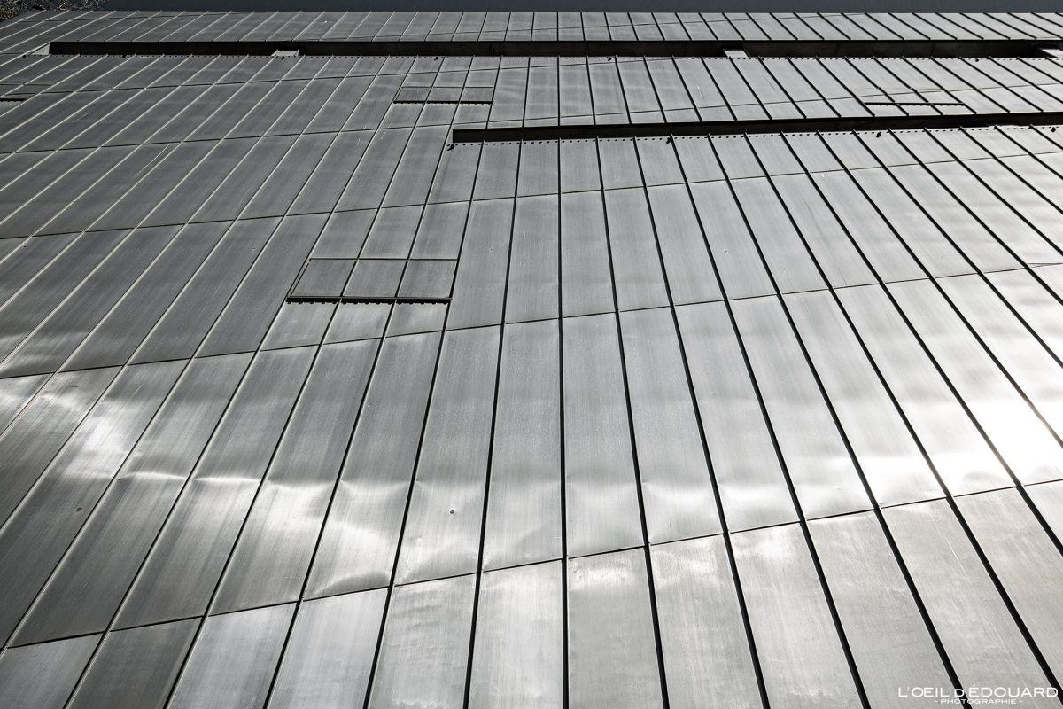 Façade en zinc métal Musée Juif de Berlin Allemagne - Jüdisches Museum Deutschland Germany Jewish Museum Architecture Daniel Libeskind