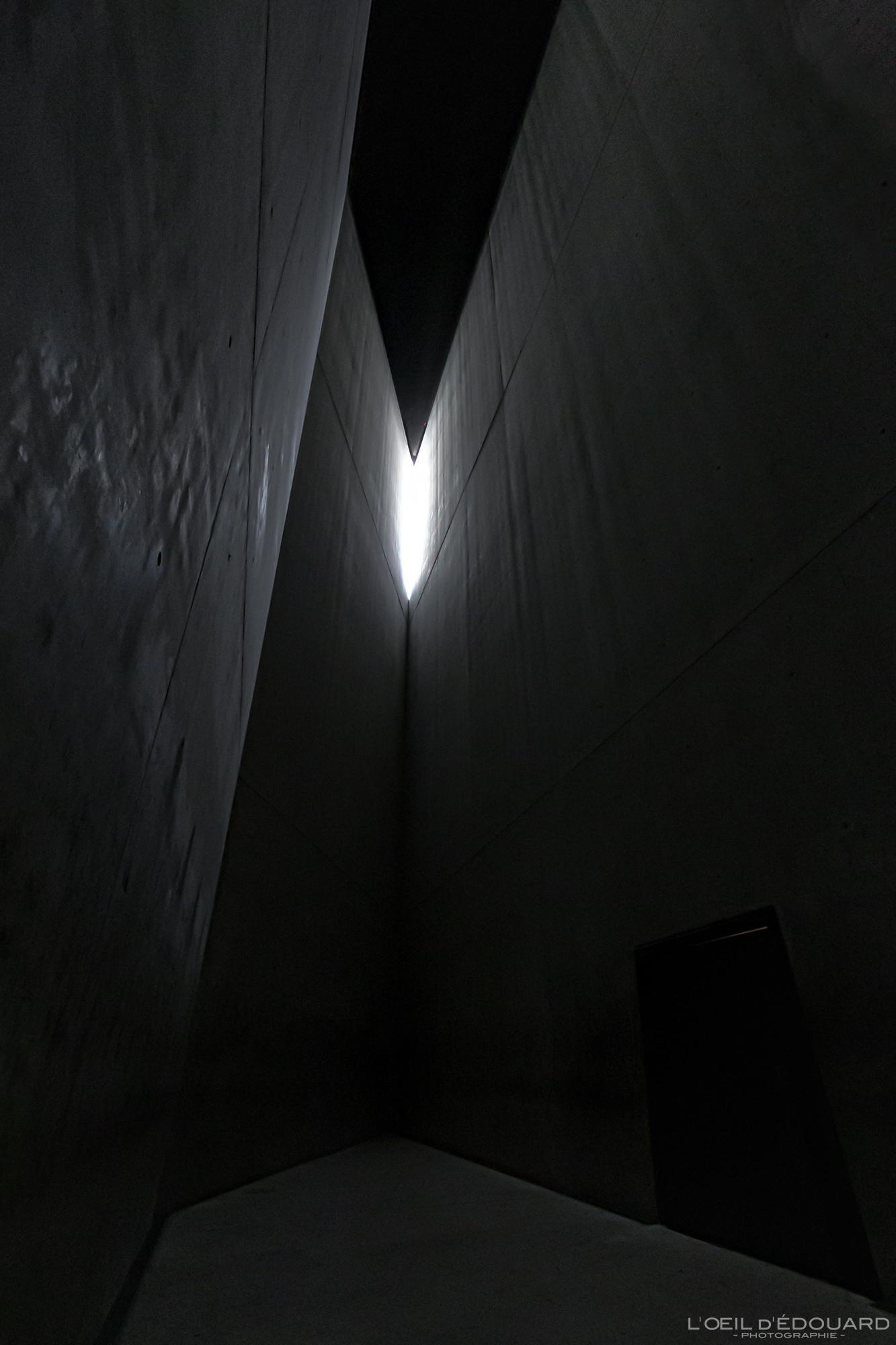 Tour de l'Holocauste Musée Juif de Berlin Allemagne - Holocaust-Turm Jüdisches Museum Deutschland Germany Tower of Holocaust Jewish Museum Architecture Daniel Libeskind