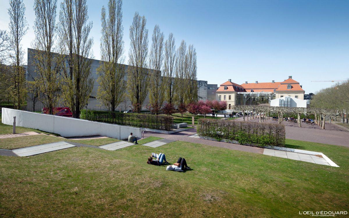 Parc Kollegienhaus Musée Juif de Berlin Allemagne - Garden Jüdisches Museum Deutschland Germany Jewish Architecture Daniel Libeskind
